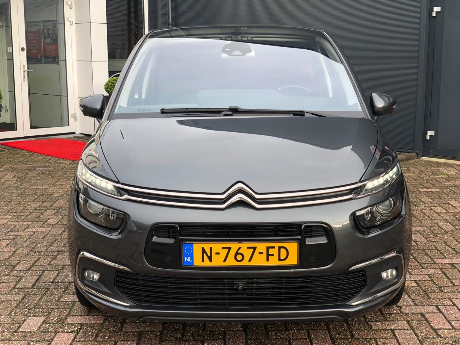 Citroën-C4 Picasso-2
