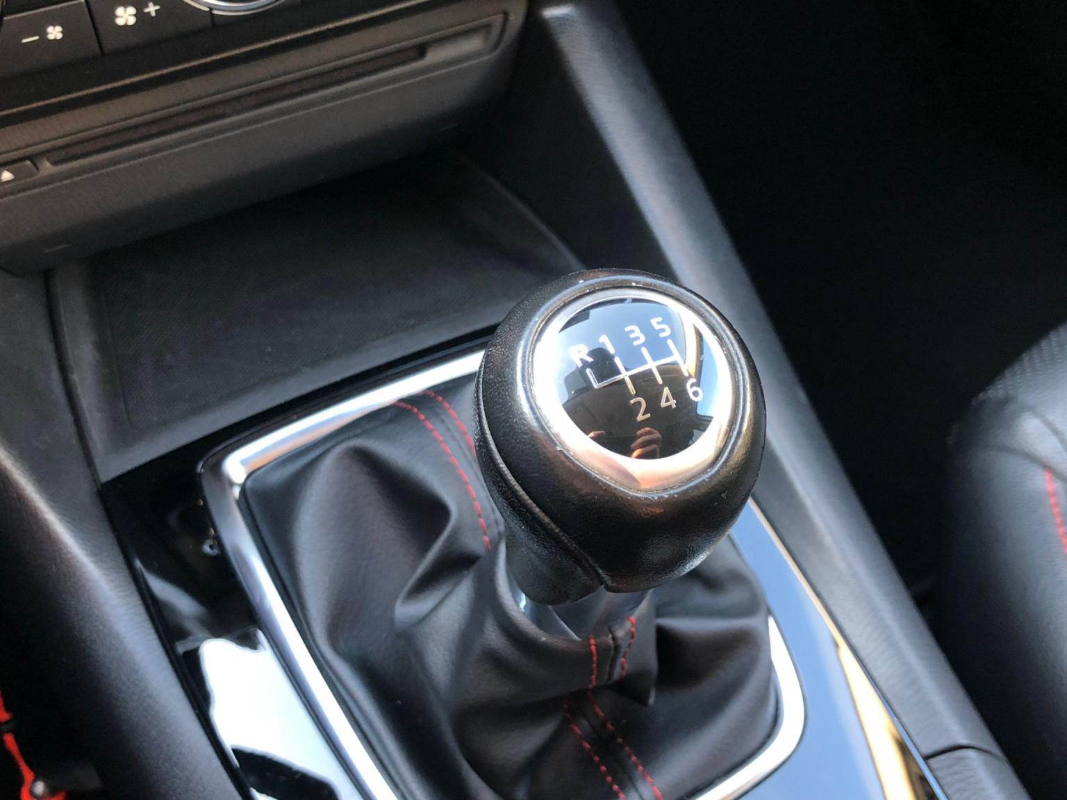 Mazda-3-27
